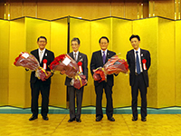 The 50 roses' bouquets were givin to Chairman, President and Executive Adviser from Vice President―with great appreciation.