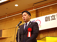 Mr.Suzuki's emotional speech moved all the member's heart.