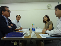 Group with top executives participating. About the present situation and future of company―many theme regarding managements were discussed.