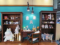 Moomin items―matching well with the chic atmosphere.