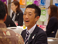 Mr. Ukai, a Sales, in a business meeting with his customer.