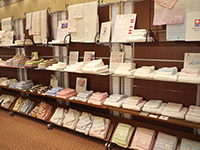 We displayed many Imabari Towels which has superior water absorbency too.